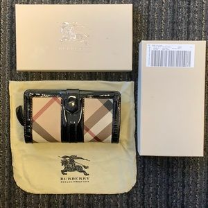 Authentic Burberry wallet with box and dustbag